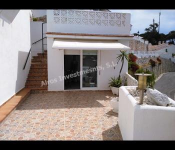 terraza lateral con trastero