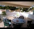 terraza delantera con toldo