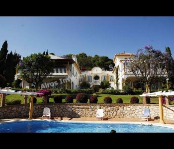 Villa privada en La Perla-Benalmádena