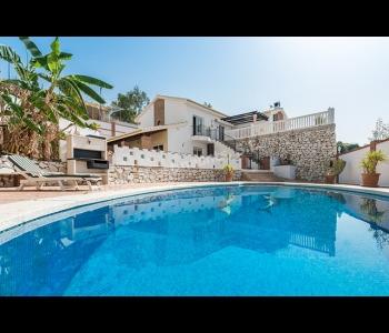 Villa en venta en Benalmádena-Capellania