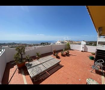 Apartamento en Benalmadena Pueblo con gran terraza y vistas panorámicas al mar